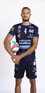4 Hugo DE LEON